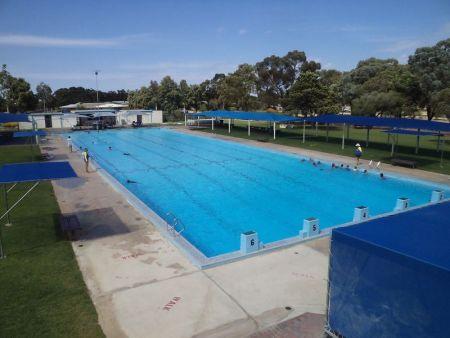 Bordertown Pool 1 Length